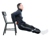 Tricepspress på stol