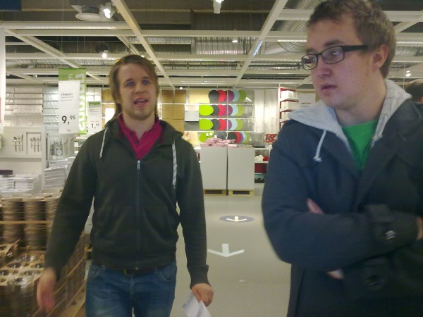 Sebben & Jonathan på Ikea