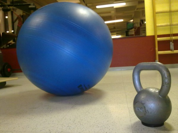 Pilatesboll och kettlebell