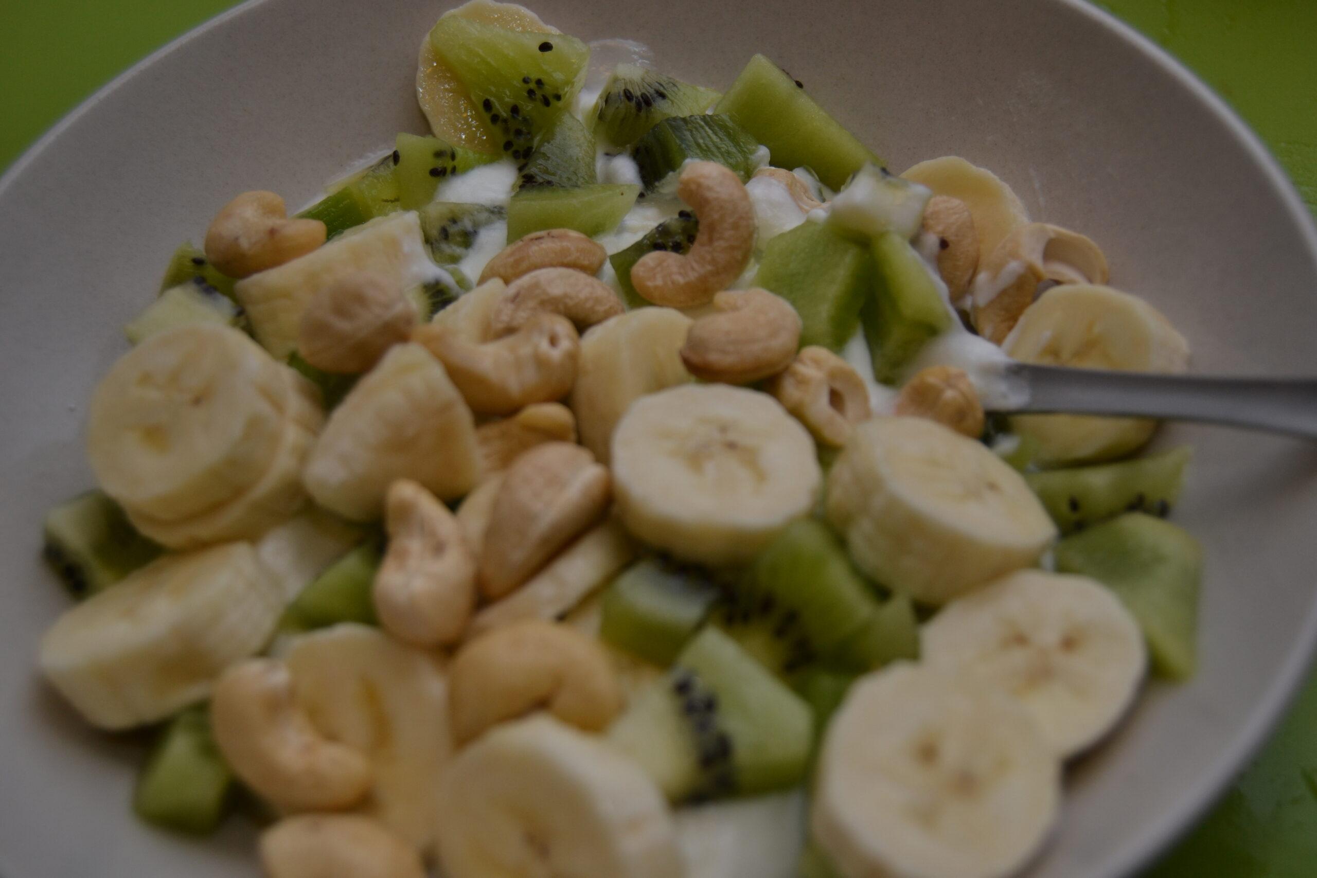 Mellanmål med naturell yoghurt