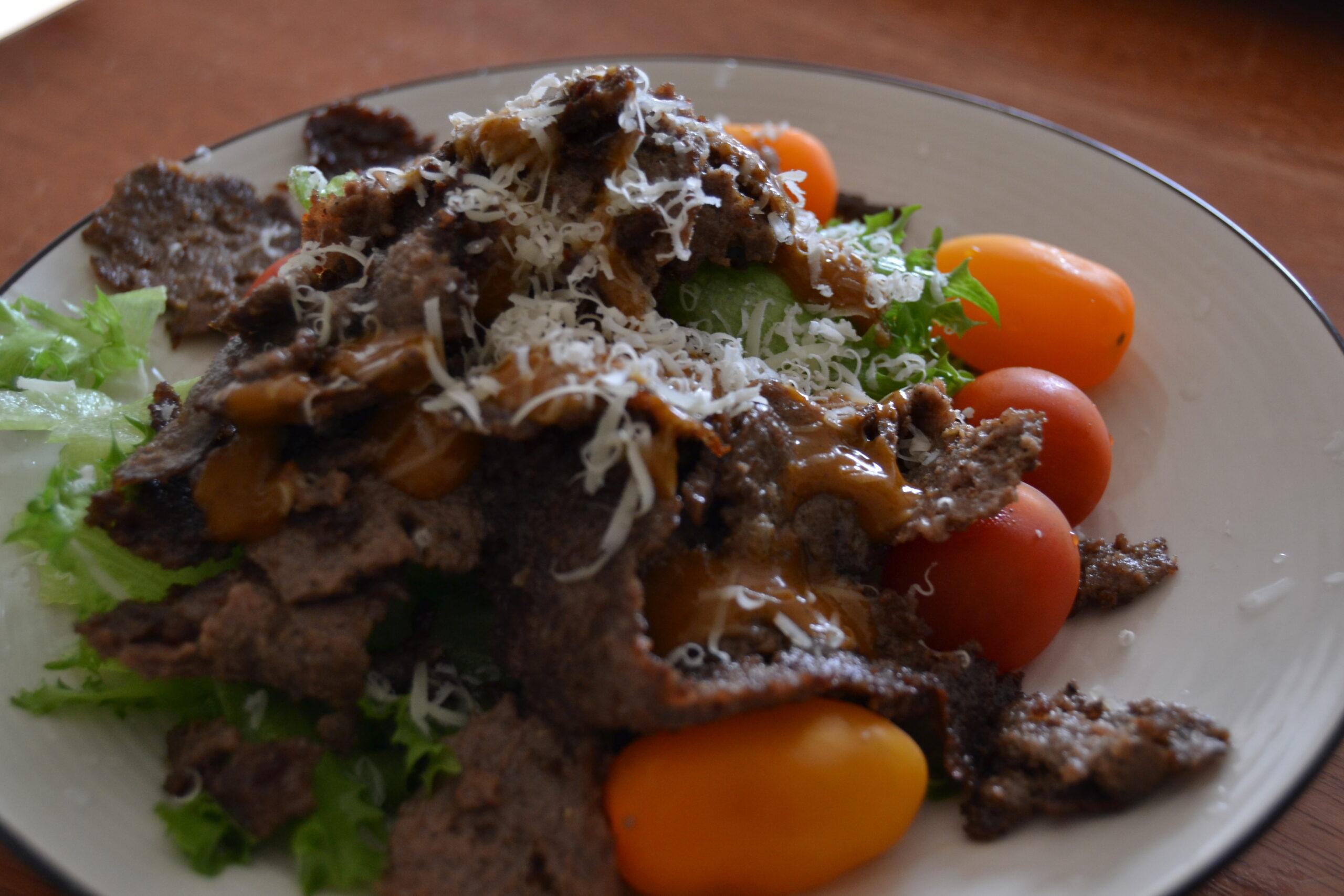Sallad med hemmagjord kebab