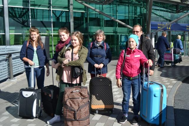 Min fina familj på väg till Mallorca! De två yngsta, Maria & Sara, hade aldrig flygit förr så de var lite nervösa... :)