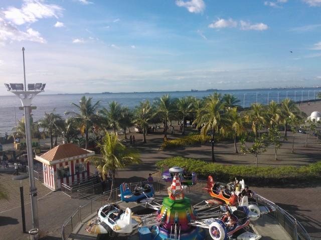 Utsikten från Mall of Asia över Manilabukten.