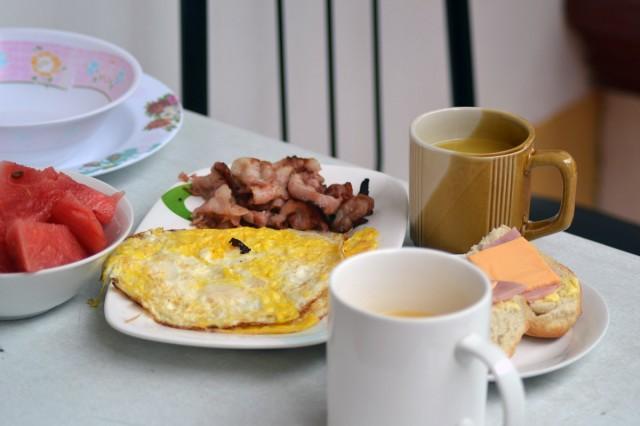 Bacon till morgonmålet är en god fettkälla, tycker jag!