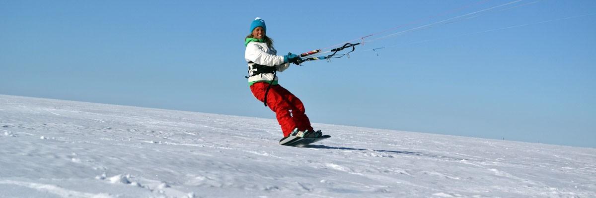 Girls Gone North – snowkitecamp i april i Pallas
