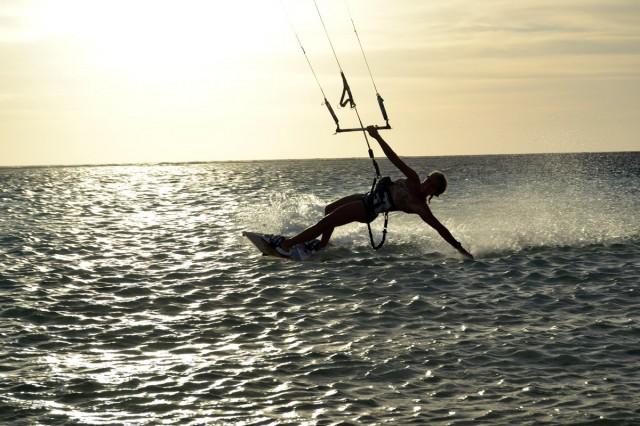 Lär dig kitesurfing