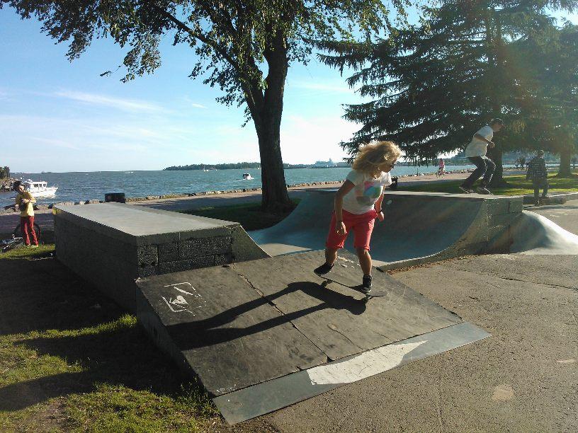 Skating i Brunnsparken
