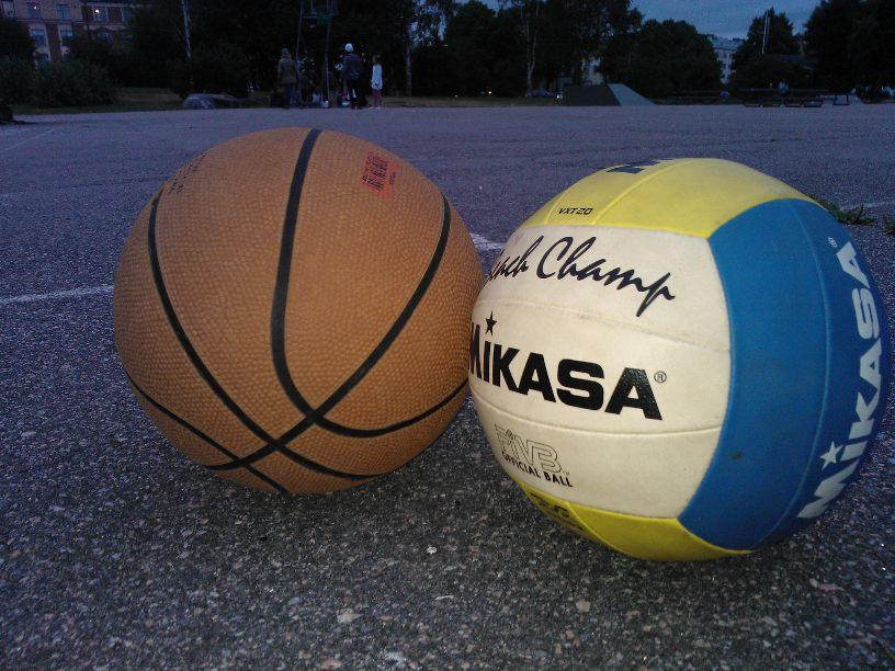 Basket- och volleybollspelande