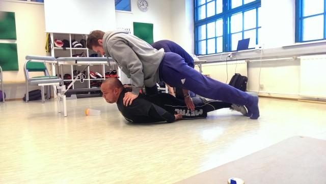 Rygglyft neurologisk träning