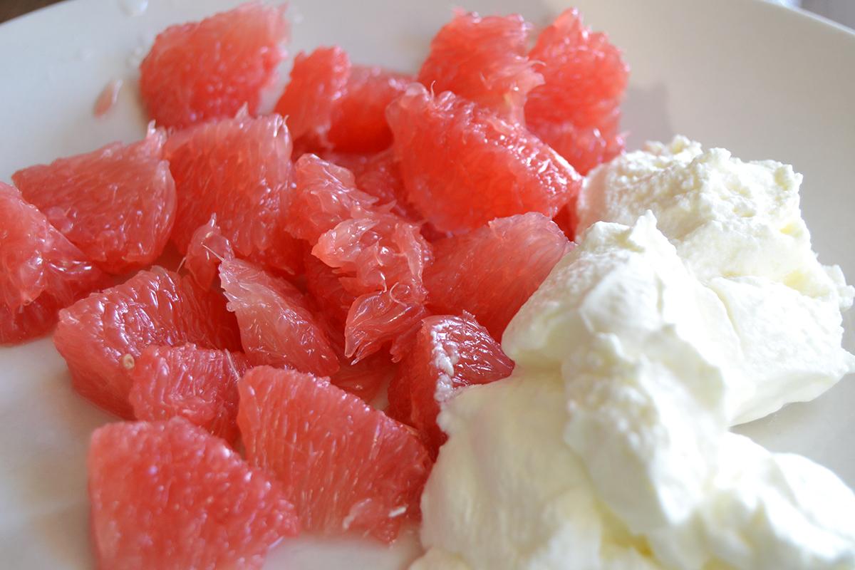 Blodgrape med yoghurt som mellanmål