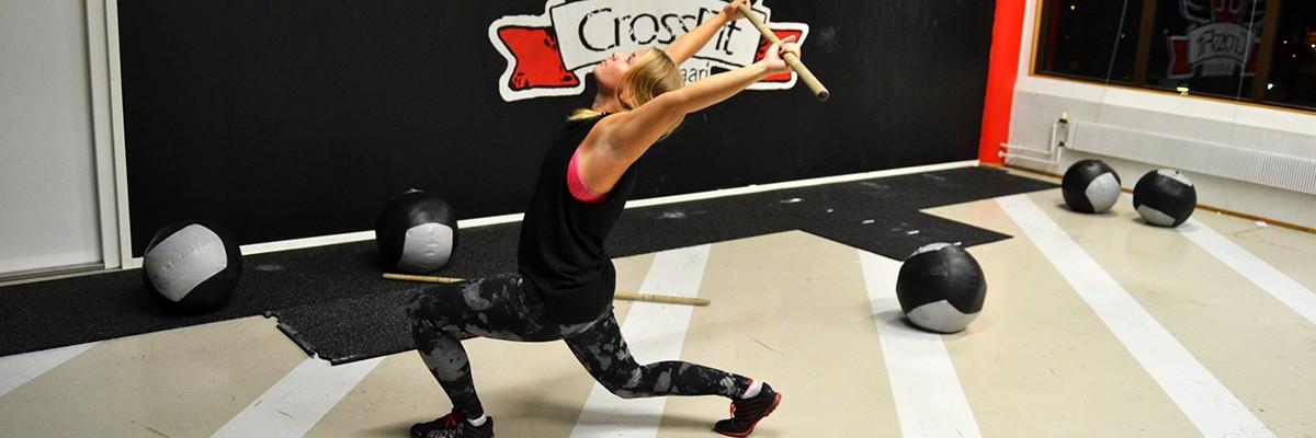 Träna dynamisk rörlighet med käpp