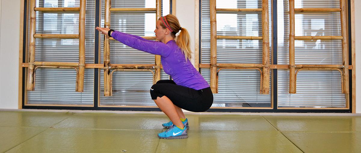 Lär dig träna effektivt hemma, helt utan redskap!
