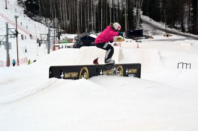 snowboarding tjej