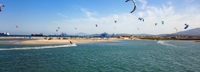 Härlig kitesurfing i Palmones