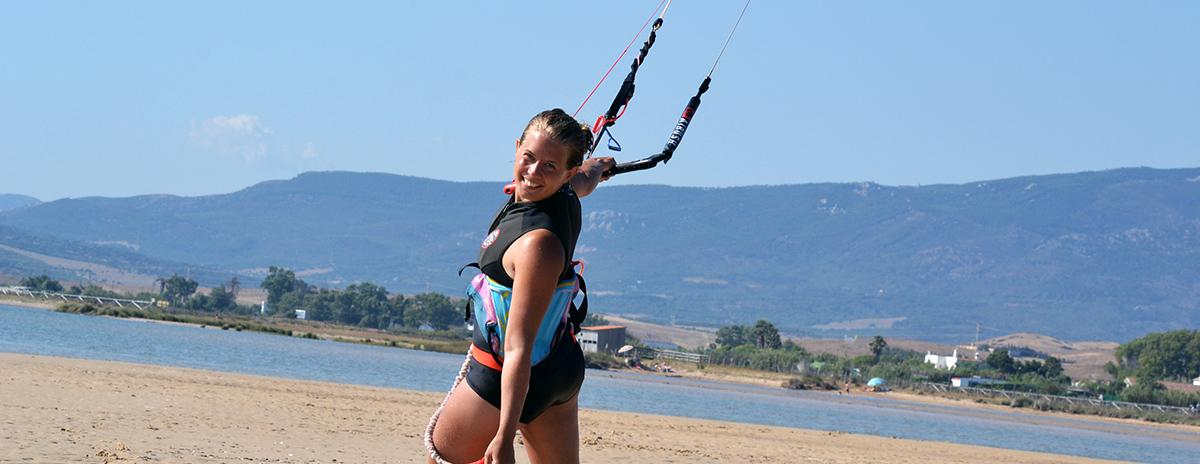 Rolig kitesurfingkrasch på video