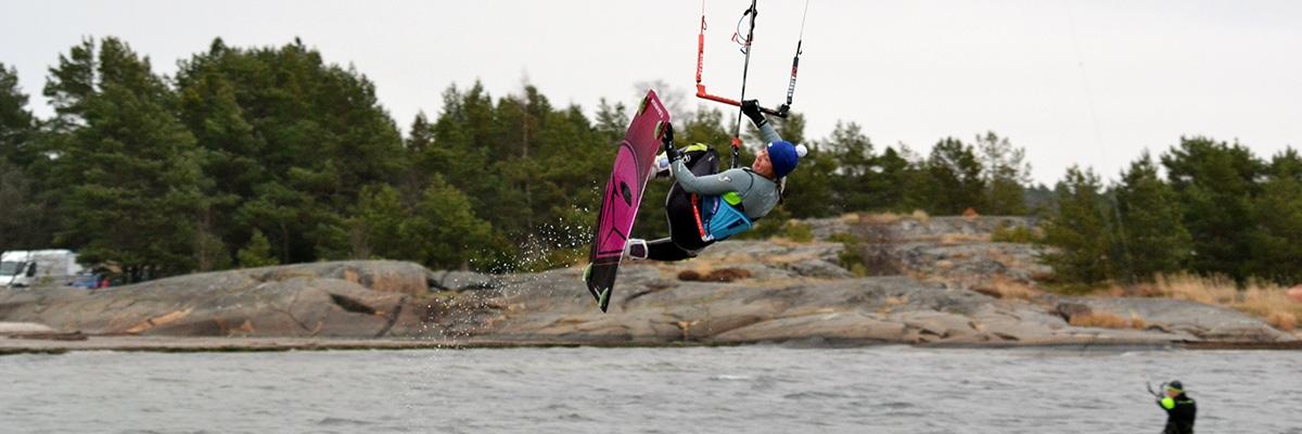 Kitesurfingkulturen i sju grader och regndis