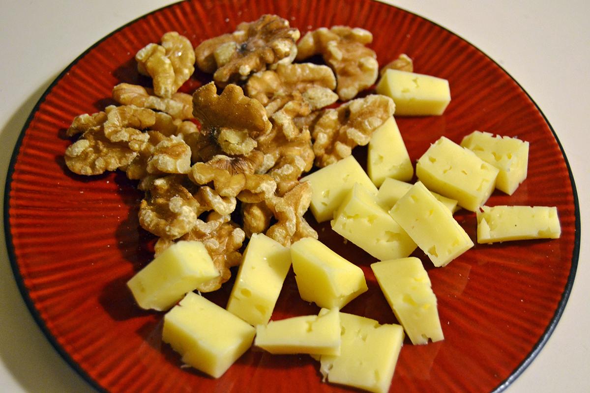 Mellanmål nötter ost