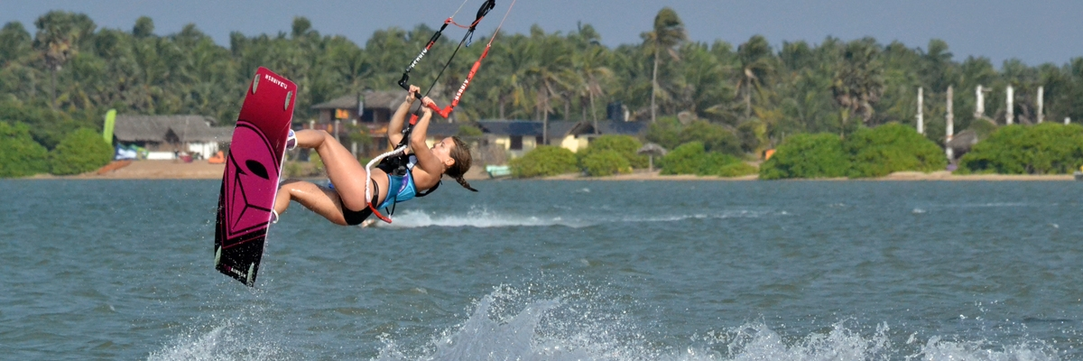 Härlig kitesurfing i stora Kalpitiya-lagunen