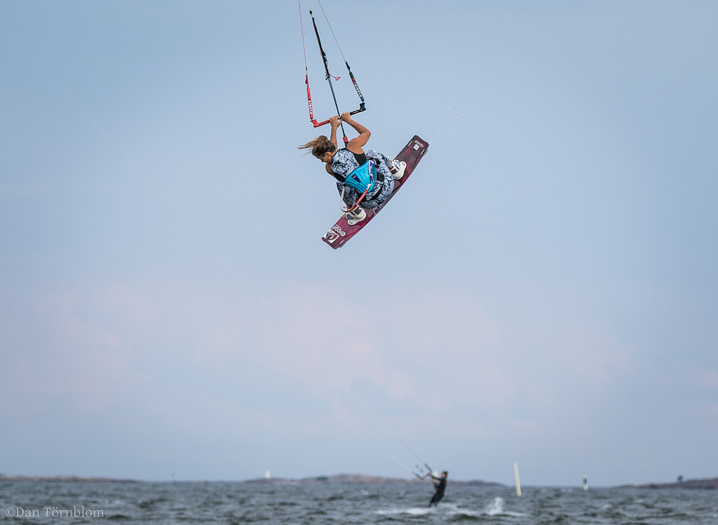 Lina BJörkskog kitesurfing