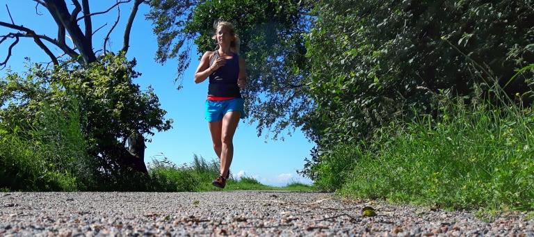 Löpning efter spännande paket
