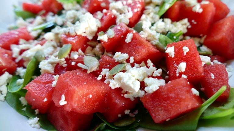 Somrig sallad med fetaost och vattenmelon