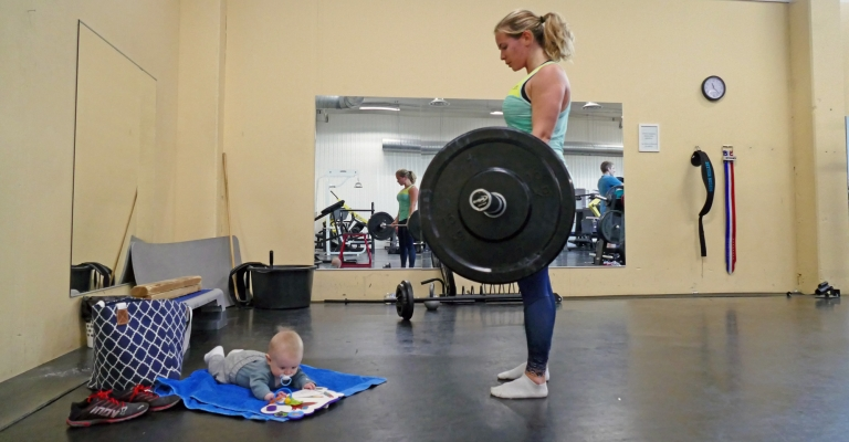 Veckans övning i superset + utmaning: Marklyft och burpee over bar