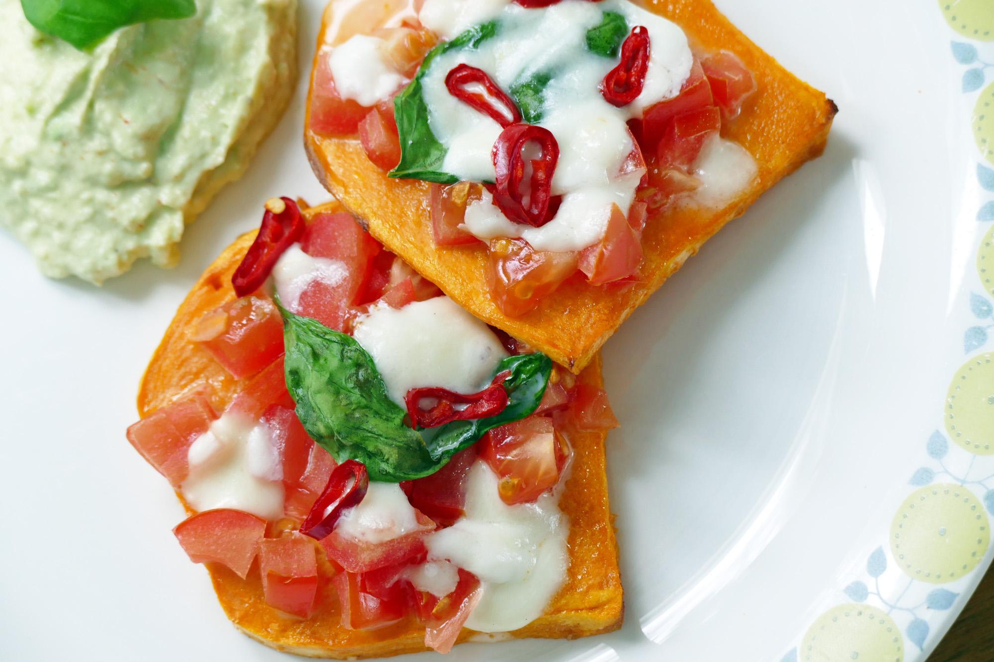 sötpotatis mozzarella tomat guacamole