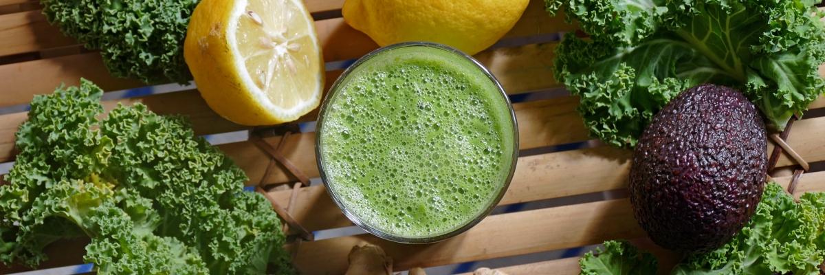 Världens nyttigaste smoothie – få i dig alla dagens grönsaker i ett svep!