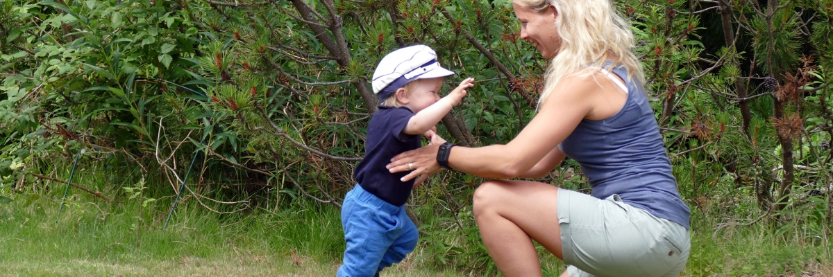 Lyft ditt barn rätt! 4 viktiga tekniktips för att undvika ryggont (och bli starkare för varje lyft!)