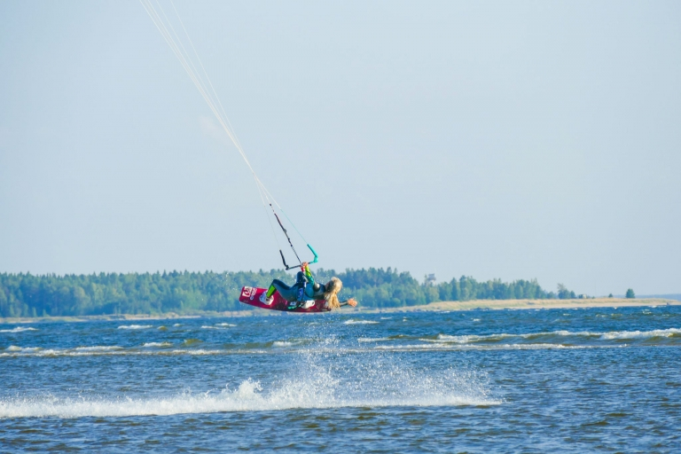 En lite bättre torsdagsdejt: kitesurf i Lohtaja
