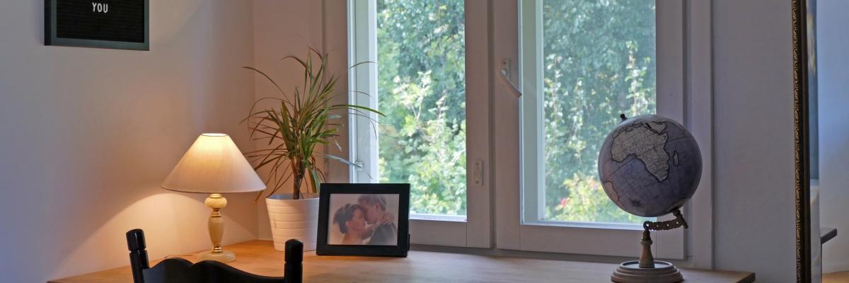 Sovrummet & balkongen: före och efter