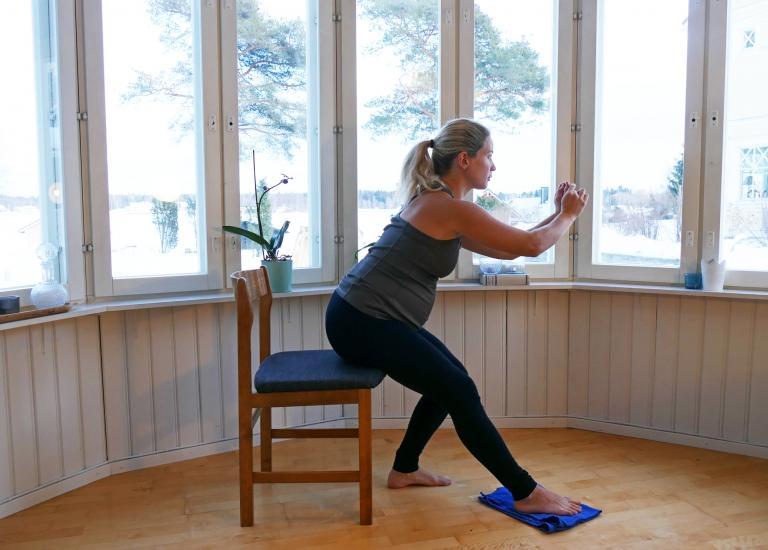 Gravidträning hemma: två övningar i superset