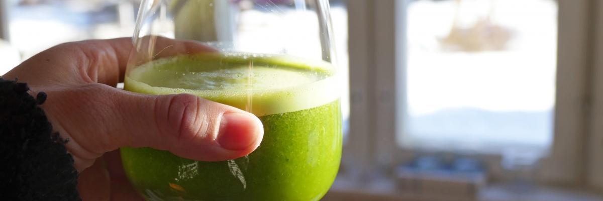 Söt grönkålsjuice med apelsin: tips till söndagsbrunchen