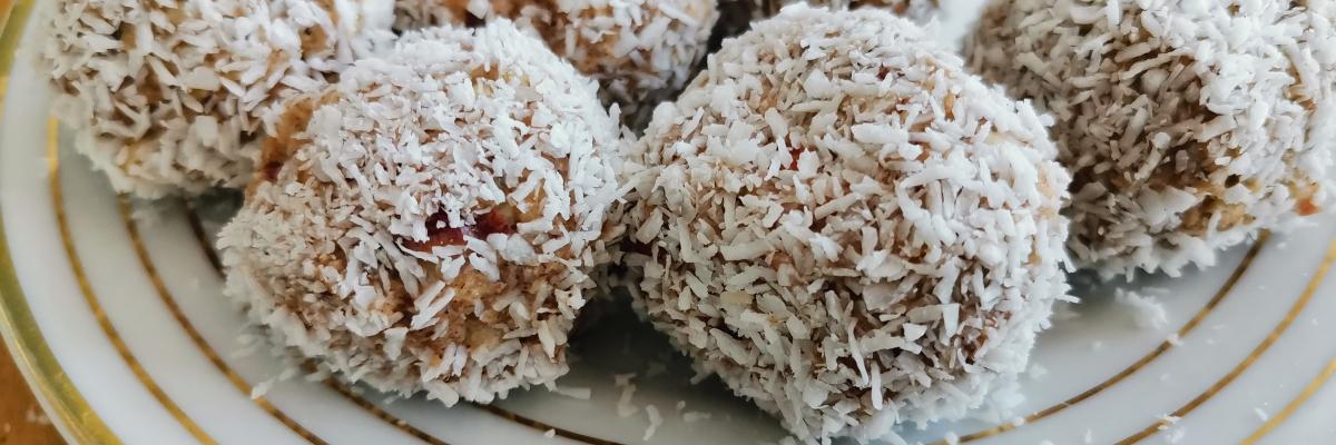 Recept på nyttig äppelpaj som kom till av misstag (och snabba äppelkaksbollar)