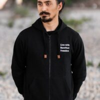 Hoodie - Live with Barefoot Freedom - Full zip - Black - 1
